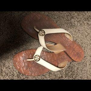 d6c60983ec56 Tory Burch Shoes - Tory Burch Thora thong sandal Sz 9